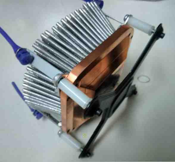 Шаг третий, прикрепляем радиатор